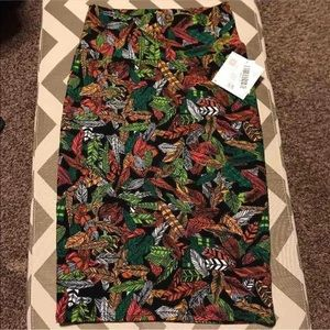 NWT Lularoe Feather Print Cassie Pencil Skirt